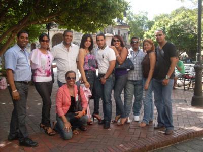 20110206001452-estudiantes-del-idp.jpg